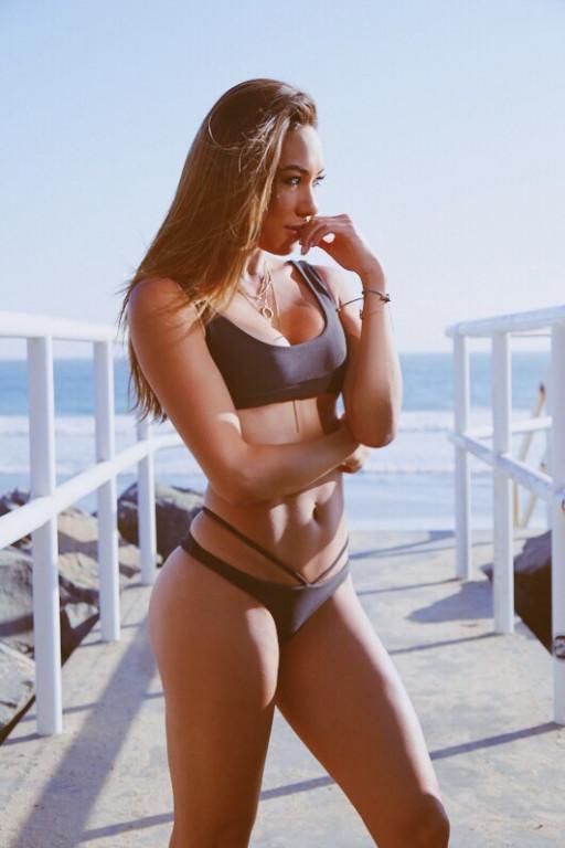 Alicia Cummings Nude Photos 15