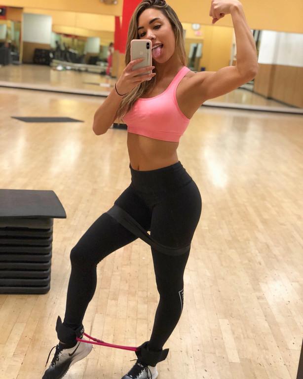 Alicia Cummings Nude Photos 9