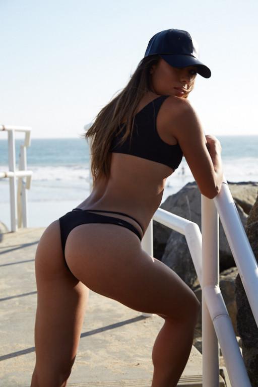 Alicia Cummings Nude Photos 30
